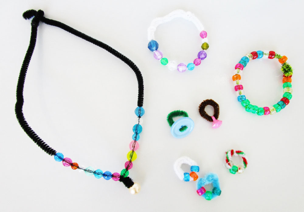 Make beaded jewellery. KinderArt.com.