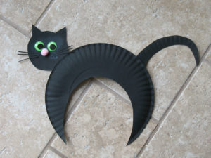 Paper Plate Black Cat Craft. KinderArt.com