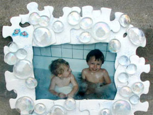 Make a bubble picture photo frame.