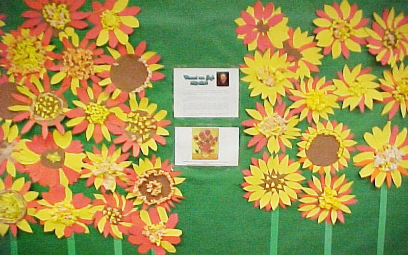 One thing that is always on every teacher's mind is what to do with tired old bulletin boards. So, this section of KinderArt is devoted to just that… dressing up bulletin boards. Here, teachers and parents from around the world share their excellent decorating ideas.