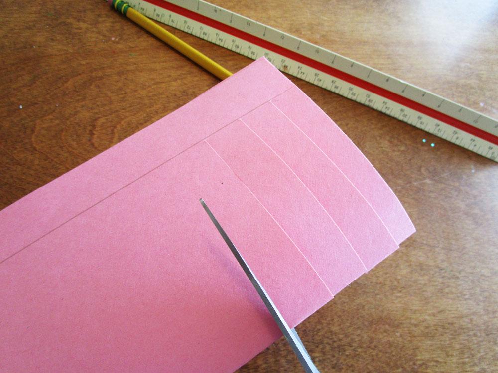 Making paper daisies. KinderArt.com