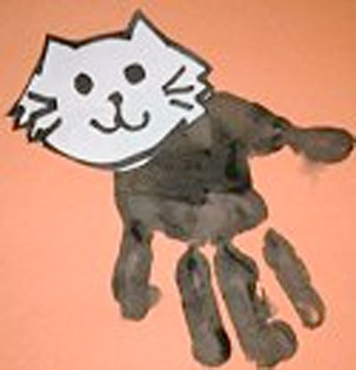 Handprint Cat for Halloween. KinderArt.com