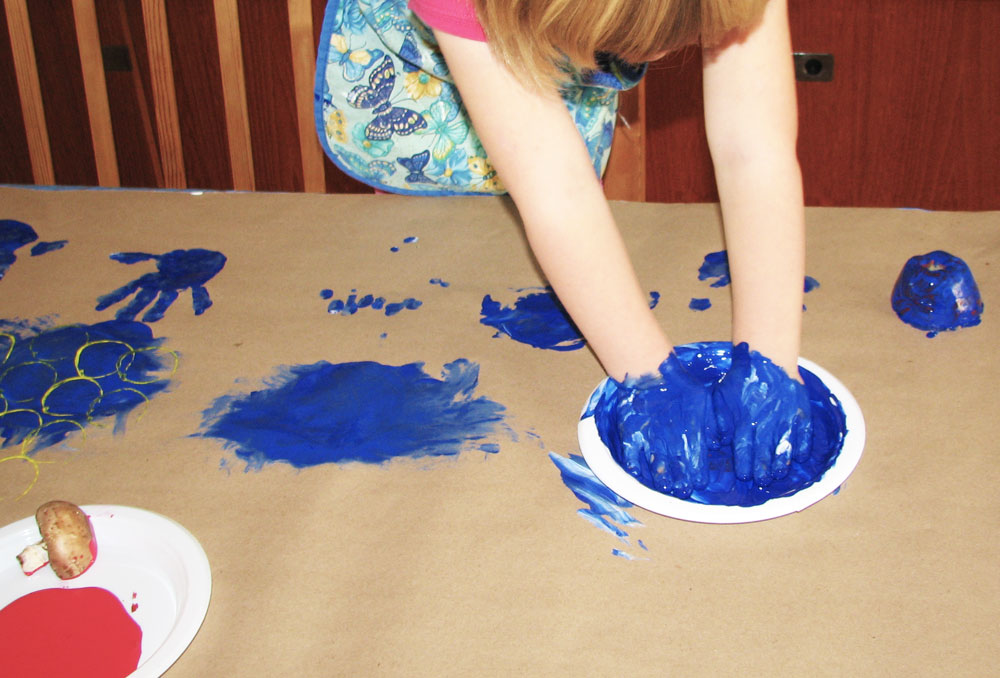 Get messy. Make art. KinderArt.com