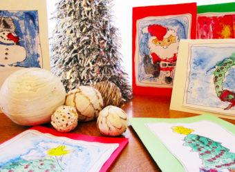 Making monoprint holiday cards. KinderArt.com