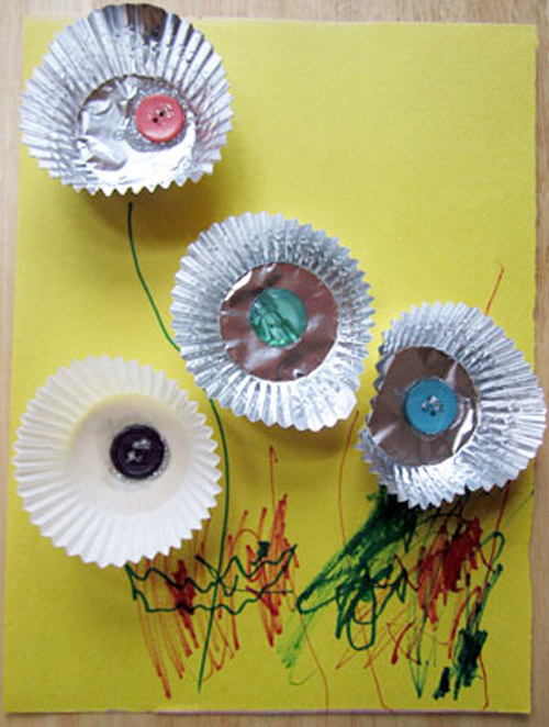 Muffin liner flowers craft for kids.