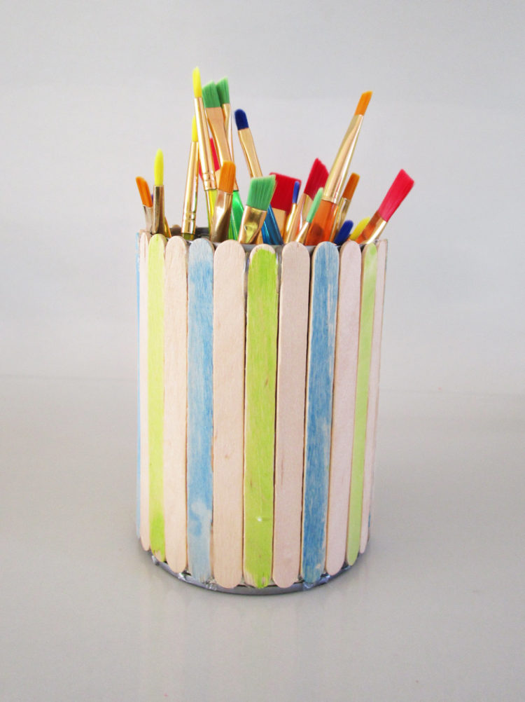 Paintbrush holder. KinderArt.com