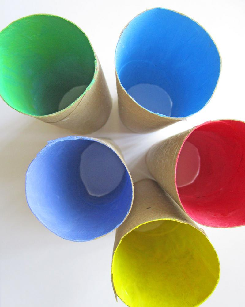 Painted toilet paper rolls. Flower egg holders craft. KinderArt.com