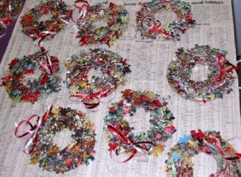 Puzzle Wreath Craft from KinderArt.com
