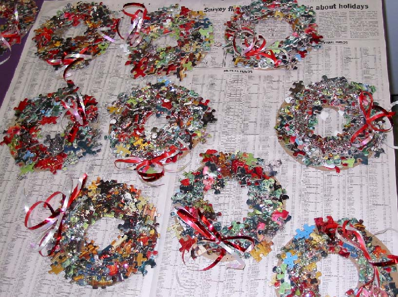 Puzzle Wreath Craft from KinderArt.com