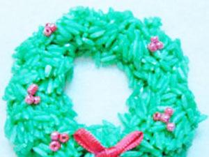 Rice wreath craft for kids. KinderArt.com