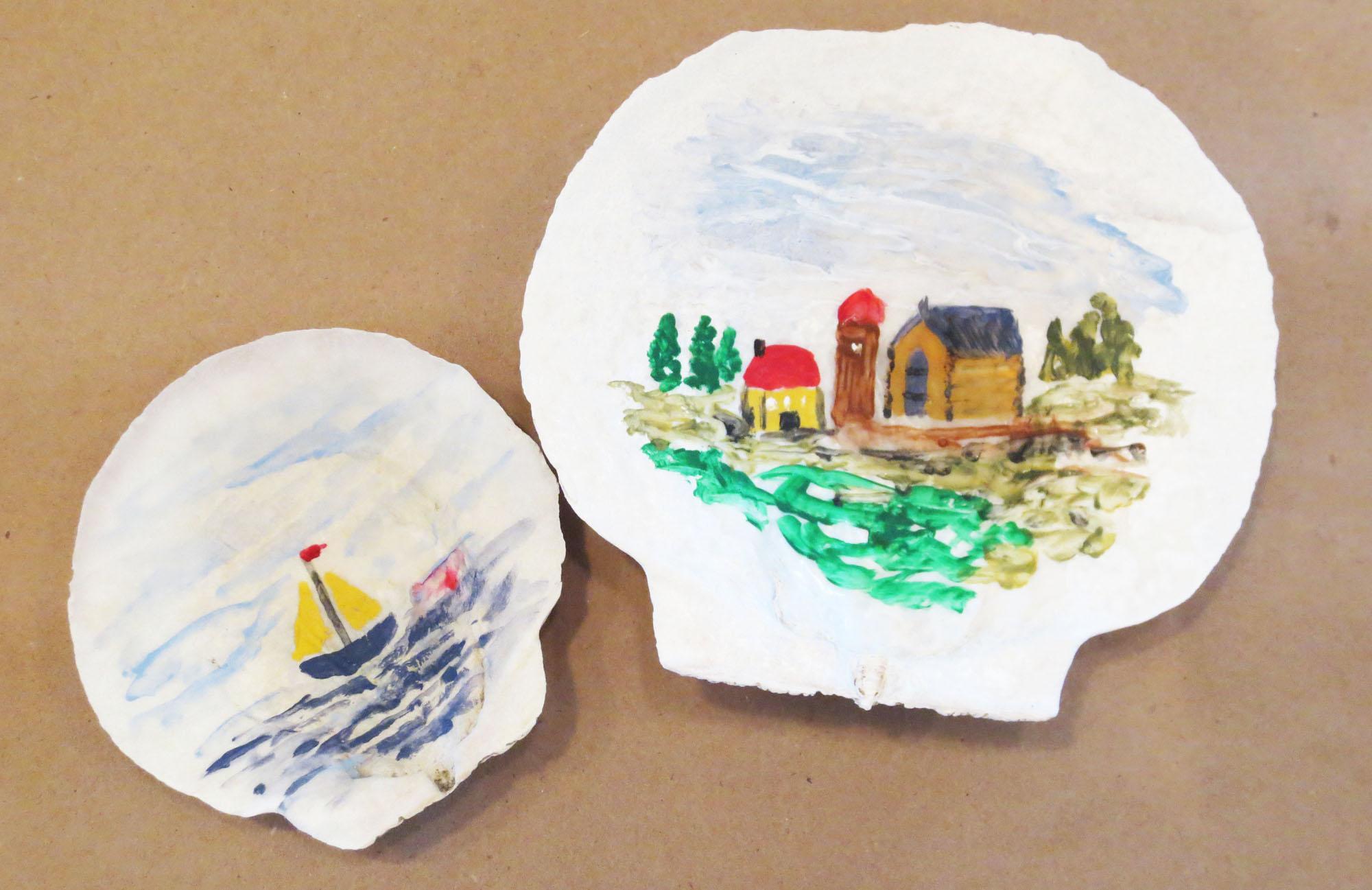 Painting on seashells
