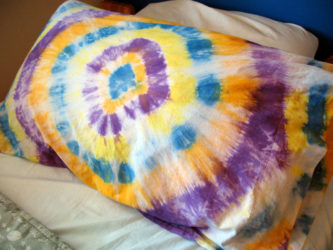 Make a tie dye pillowcase.