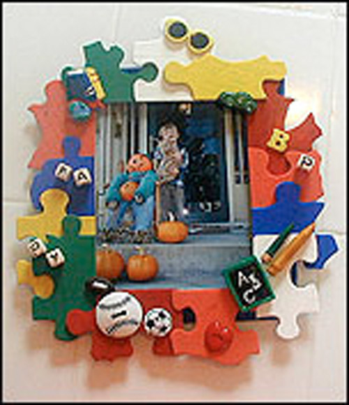 Picture frame using recycled objects.